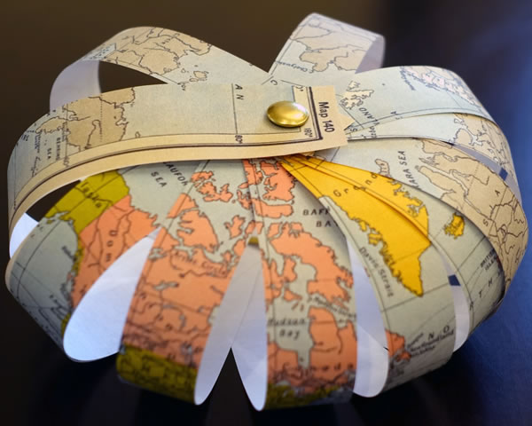 Paper strip earth globe craft for Planet crafts for kids